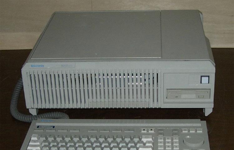 Tektronix 3002P
